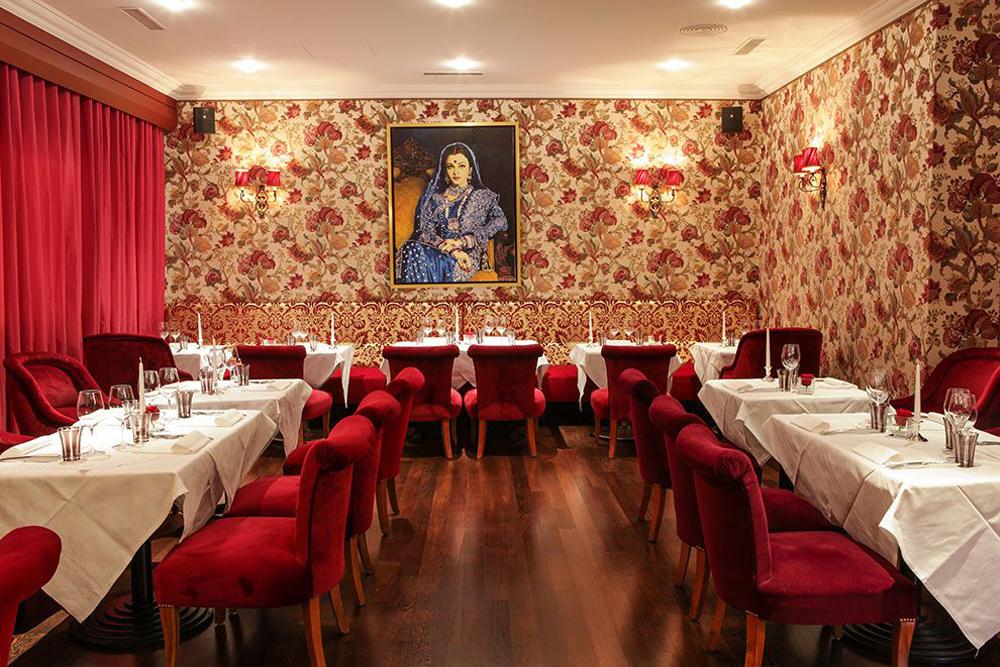 Déco orientale du restaurant aux spécialités cuisine indienne à genève